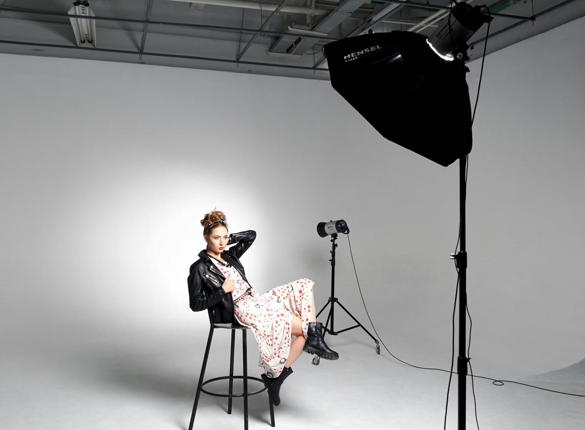 Смотреть подготовка модели к видеосессии — pic 14